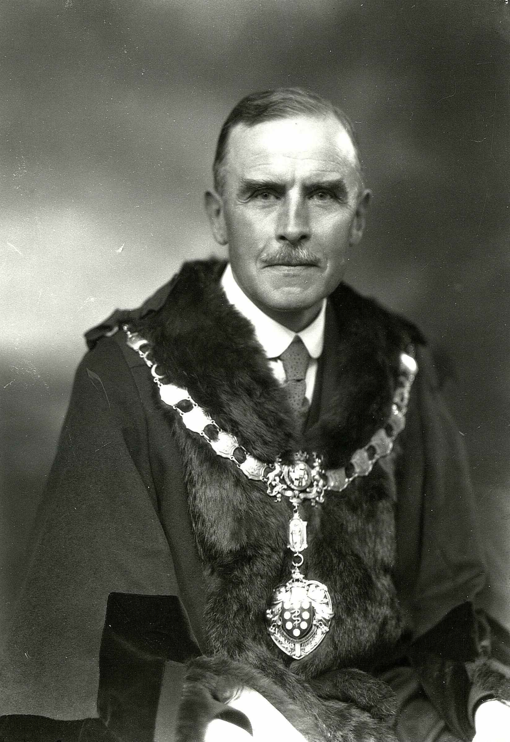Councillor Arthur James Potter, Mayor of the Borough of Buxton, 1931/32 (proprietor of Potter's and Milligan's, Drapers, Buxton). Photographer Board, JR / Meddins, JD.