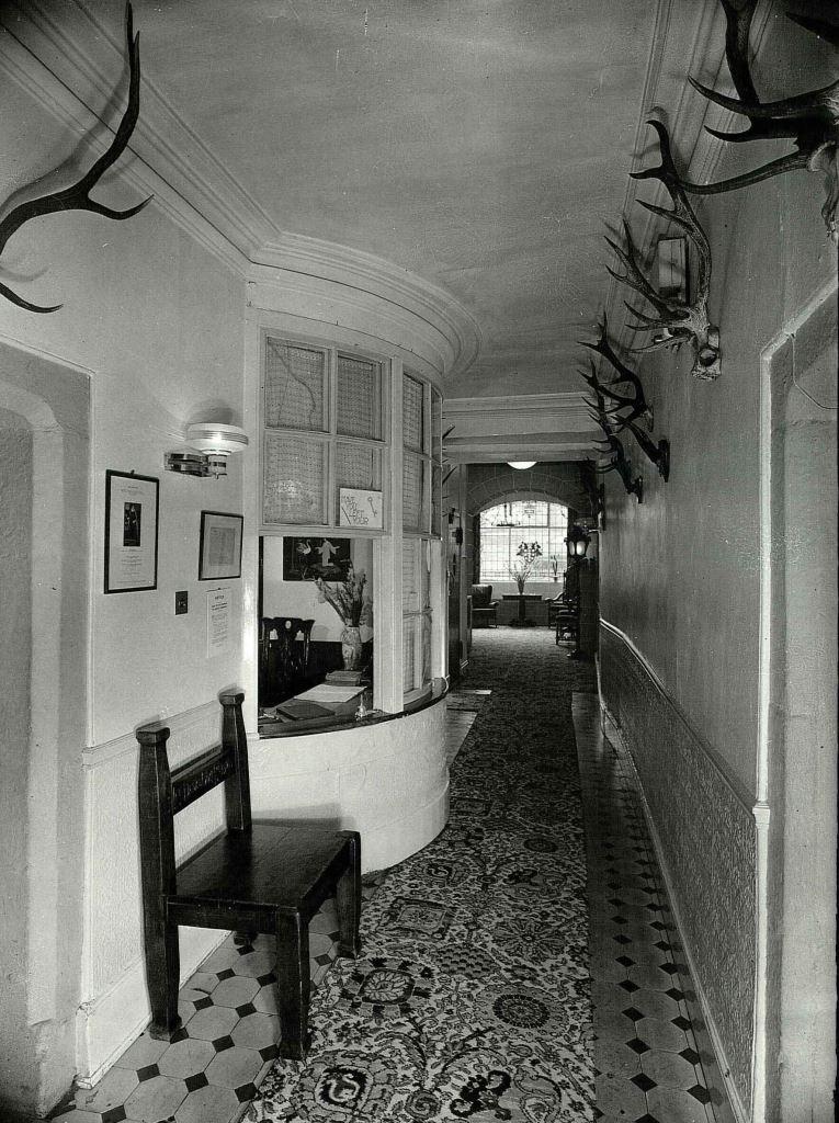 dersb-57884-old-hall-reception